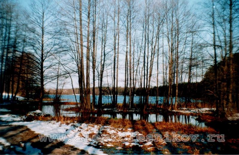 Черное озеро в городе Покров